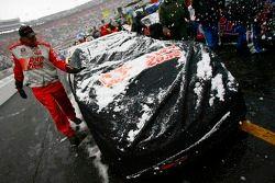 La voiture de Kenny Wallace dans la neige