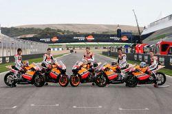 Пилоты Repsol в классах MotoGP, 250 и 125: Дани Педроса, Ники Хейден, Себастьян Порто, Шухей Аояма и
