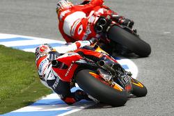 Loris Capirossi, Ducati; Dani Pedrosa, Repsol Honda Team