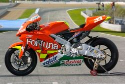 Photoshoot: the Fortuna Honda of Marco Melandri