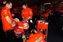 Fortuna Honda team members at work
