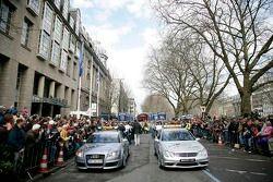 Les voitures de sécurité Audi et Mercedes-Benz