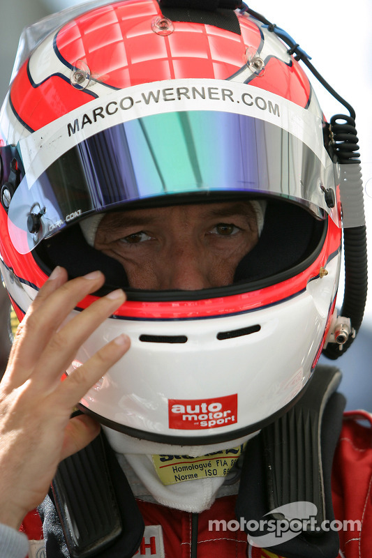 Marco Werner se tiennent prêts