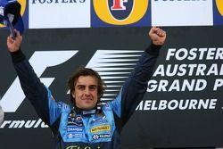 Podio: il vincitore Fernando Alonso festeggia