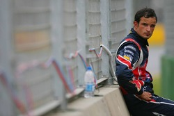 Vitantonio Liuzzi out of the race