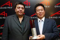 Tony Teixeira (RSA) avec Liu Yu (CHN)