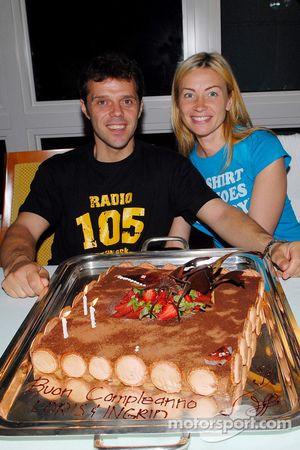 Un gâteau pour Loris Capirossi et sa femme Ingrid