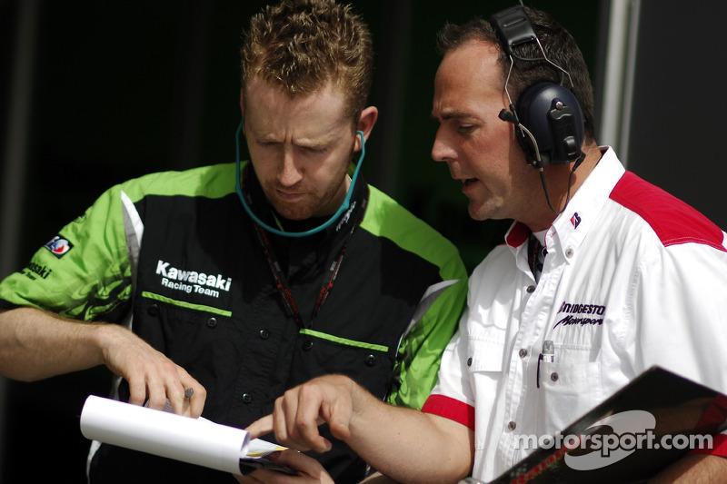Equipes Kawasaki Racing et Bridgestone