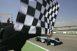 Nelson A. Piquet passe la ligne d'arrivée