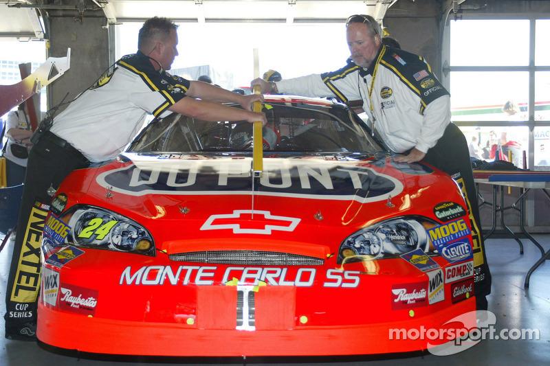 La voiture de Jeff Gordon dans le garage