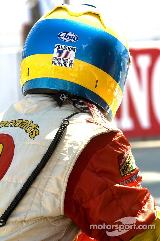 L'équipe de Sébastien Bourdais attend le drapeau à damier