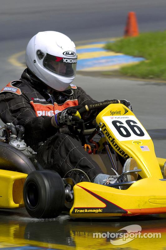 Scott Speed, a kart