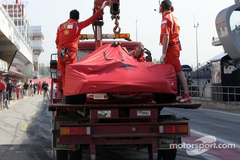 Ferrari de Michael Schumacher de retour dans la ligne des stands