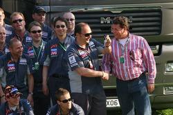 Direktörü, MAN tırı ve bus b.v Bert van Hasselt hands over keys to yeni Midland MAN tırıs to Colin K