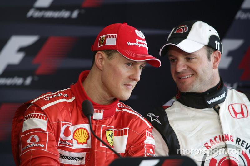 Ganador de la pole Michael Schumacher y Rubens Barrichello en la conferencia de prensa