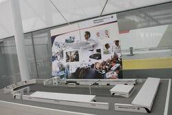 Modèle de la BMW Sauber F1 Team dans les stands