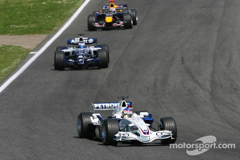 Jacques Villeneuve devant Nico Rosberg