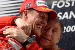Michael Schumacher y Jean Todt en el podio