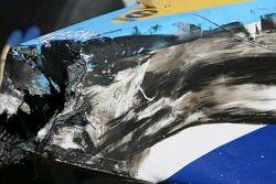 La voiture détruite de Lucas Di Grassi
