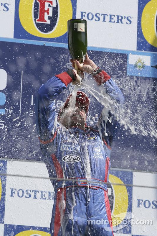 Podium: Ernesto Viso celebrates avec du champagne