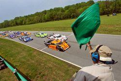 Départ: #19 Playboy/ Uniden Racing Ford Crawford: Guy Cosmo, Michael McDowell et #23 Alex Job Racing/ Emory Motorsports Porsche Crawford: Mike Rockenfeller, Patrick Long se battent pour la première place