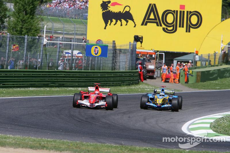 Michael Schumacher et Fernando Alonso en lutte