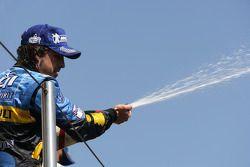 Fernando Alonso en el podio