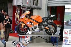 Motobox Kremer racing