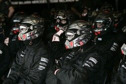 Midland F1 Racing takım elemanları watch race