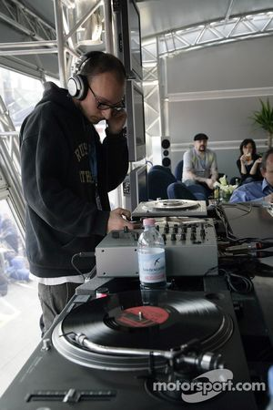 Jeudi refroidi: DJ Bwody