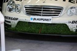 Le radiateur de Jamie Green de AMG-Mercedes, AMG-Mercedes C-Klasse hors de piste
