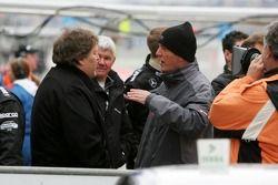 Norbert Haug parle avec Dr. Wolfgang Ullrich