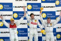 Podium: race winner Bernd Schneider with Tom Kristensen and Mika Hakkinen