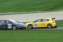 Seat Leon Supercopa: Cora Schumacher spins