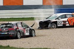 Seat Leon Supercopa: a crash