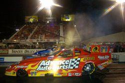 Cruz Pedregon a gagné le titre Funny Car à Las Vegas