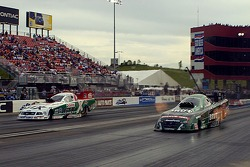 Ron Capps out runs John Force