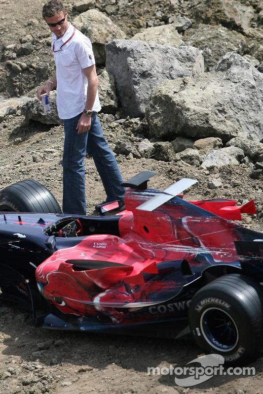Red Bull: David Coulthard et une voiture Scuderia Toro Rosso
