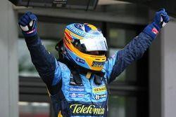 Le poleman Fernando Alonso
