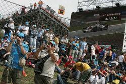 Des fans au circuit de Catalogne