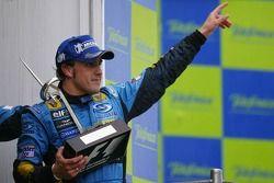 El ganador del GP de España 2006, Fernando Alonso, Renault