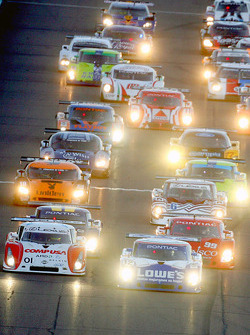 Départ: #12 Lowe's Fernandez Racing Pontiac Riley: Adrian Fernandez, Mario Haberfeld et #01 CompUSA