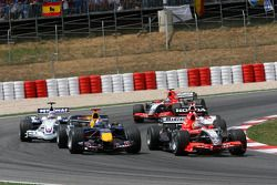 Tiago Monteiro races David Coulthard