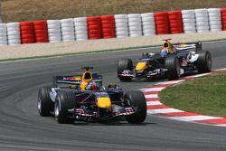 Christian Klien devant David Coulthard