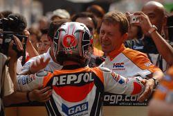 Le vainqueur de la course Dani Pedrosa