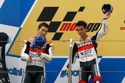Podium: le vainqueur de la course Dani Pedrosa et Nicky Hayden