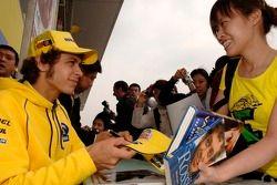 Séance de dédicaces pour Valentino Rossi