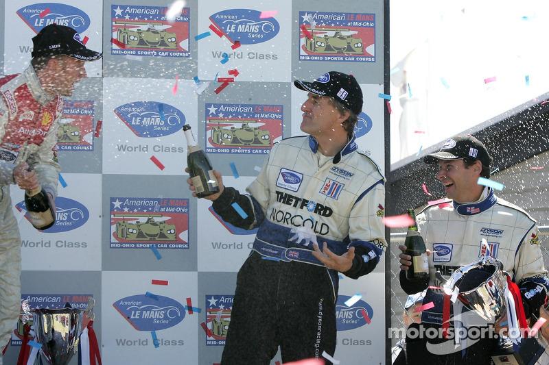 Podium LMP1: champagne pour James Weaver et Butch Leitzinger