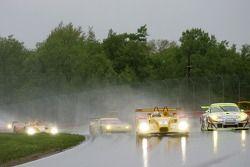 #7 Penske Motorsports Porsche RS Spyder: Timo Bernhard, Romain Dumas, #31 Petersen/White Lightning P