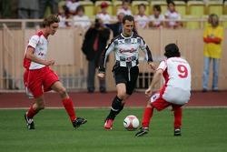 Match de football de charité: Michael Schumacher et Ezio Gianola, ancien champion Motorcycle 125cc